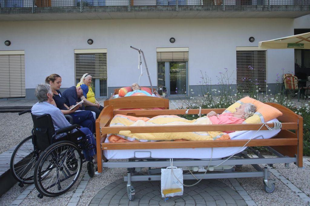 Dom Hmelina: s posteljami v park