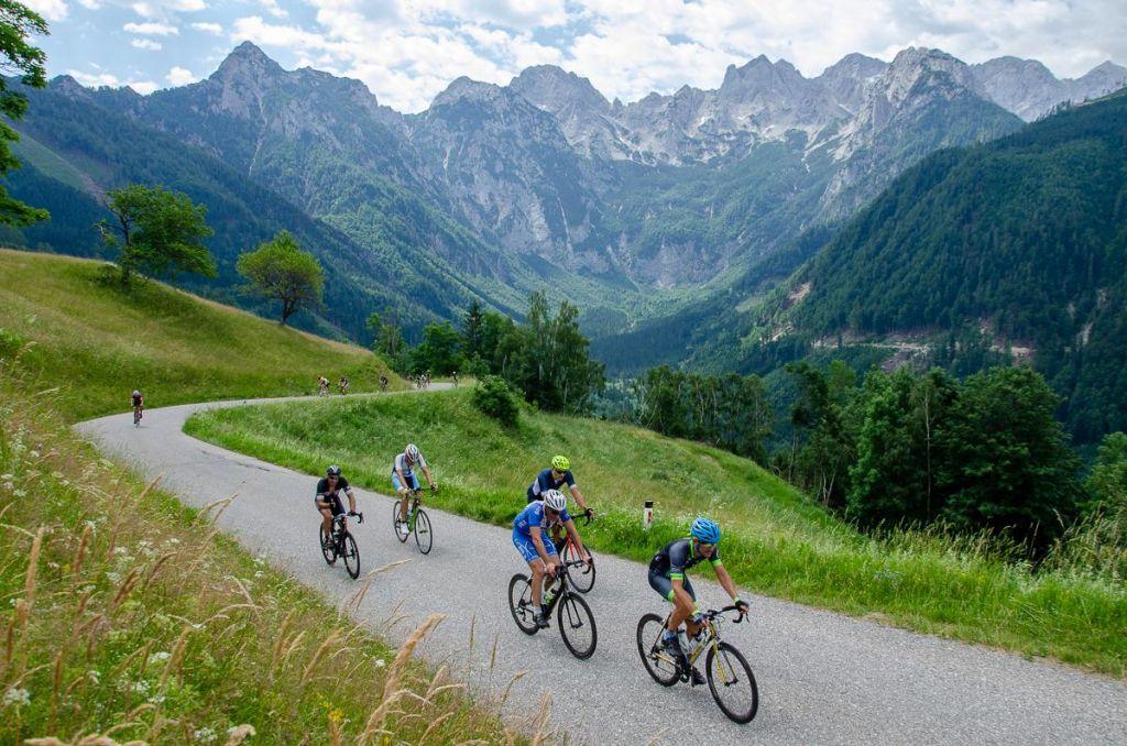 FOTO:Najtežji kolesarski maraton v državi je prevozilo 451 kolesarjev.