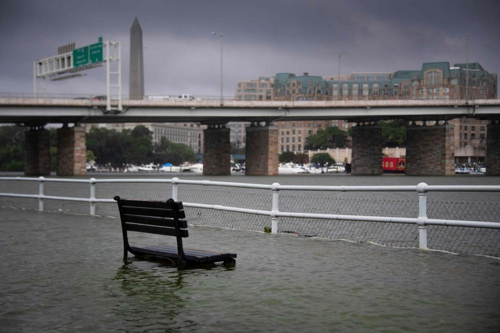 Ko voda zaliva Belo hišo