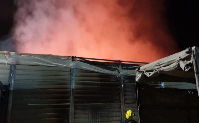 Požar v Mengšu. FOTO: PGD Moste