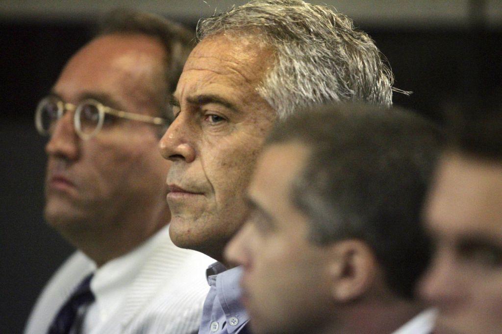 Kdo v vrhovih ameriške politike se boji pedofila Epsteina?