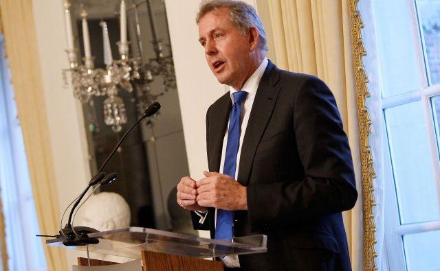 Kim Darroch je pojasnil, da mu položaj onemogoča nadaljnje opravljanje veleposlaniške funkcije. FOTO: AFP