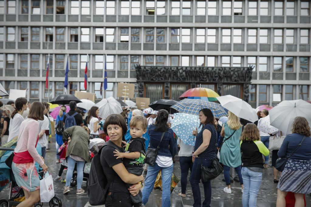 Za mnoge sporni zakon prestal parlamentarni test