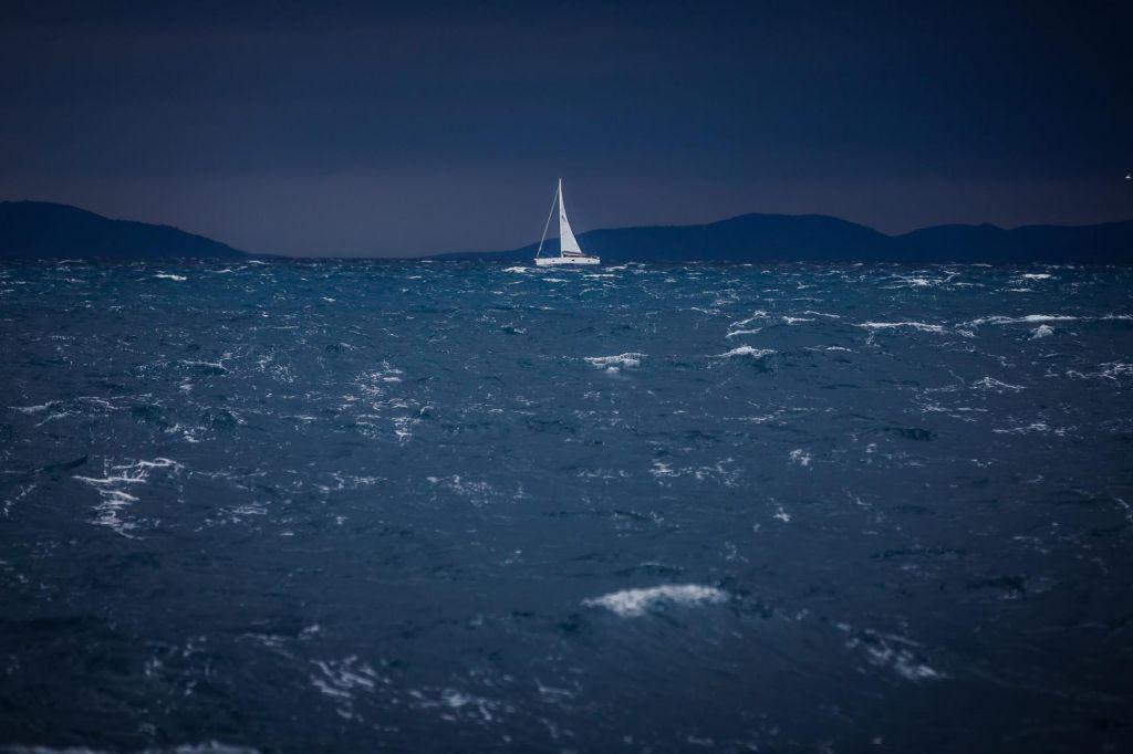 »Meteorološki cunami« sinoči nad Dalmacijo