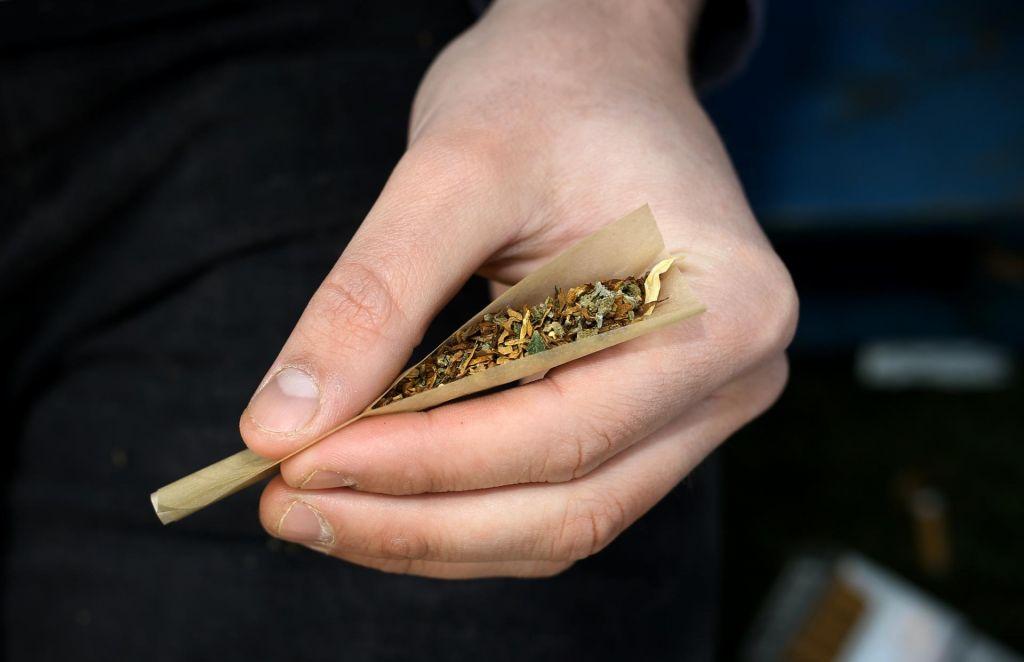 Najstniki manj posegajo po marihuani, kjer je legalizirana