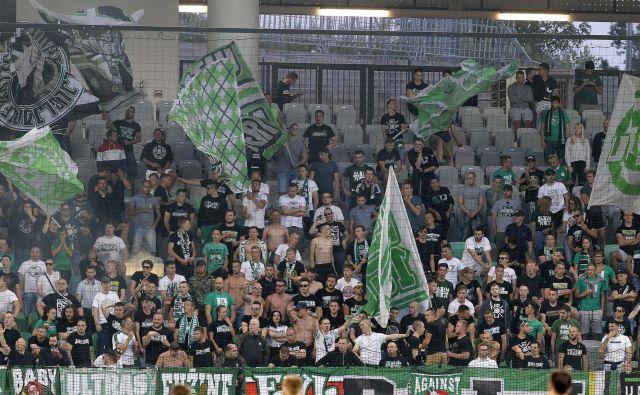 Ljubljančani so v četrtek zvečer podprli Olimpijo, toda slednja je odpovedala v tekmi z Latvijci. FOTO: Mavric Pivk
