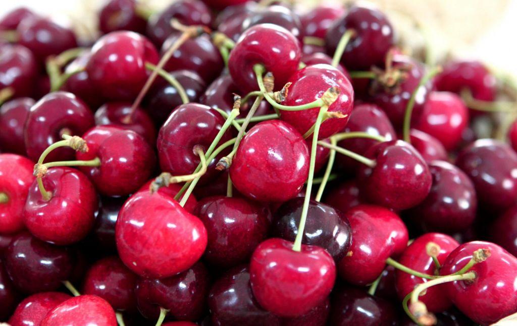 Kupujete sadje na stojnicah ob cestah?