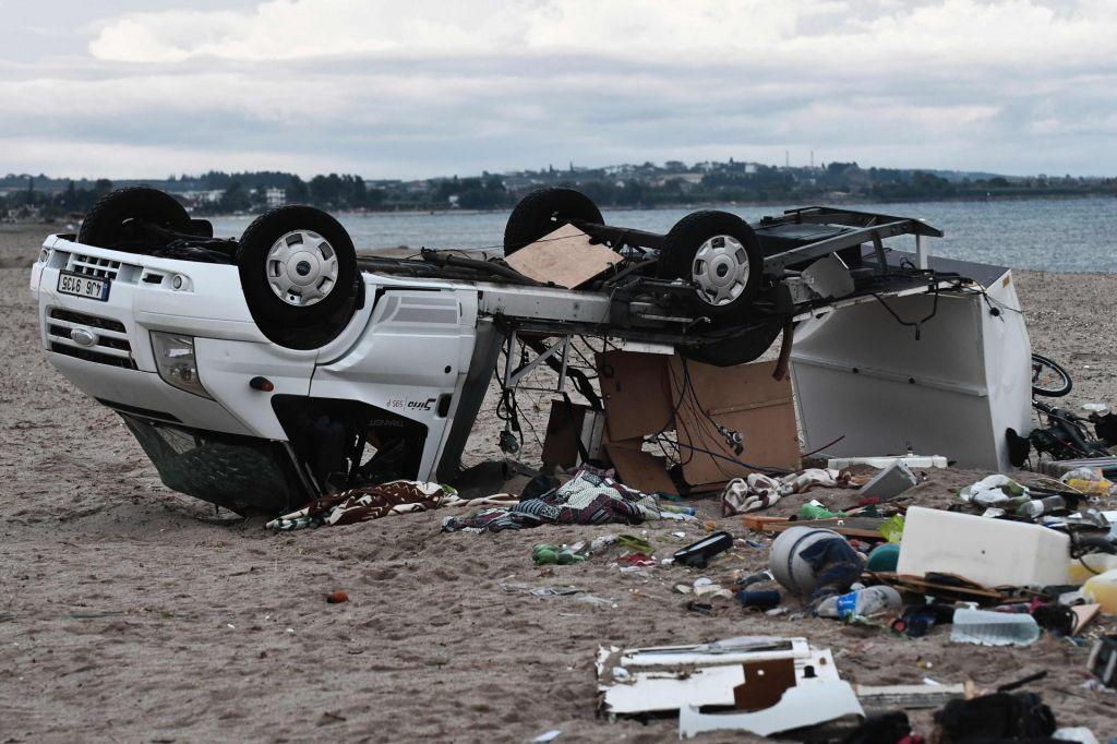 FOTO:V neurju s točo sedem smrtnih žrtev, večinoma turistov
