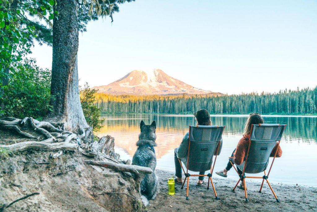 FOTO:Stoli in mize za minimaliste