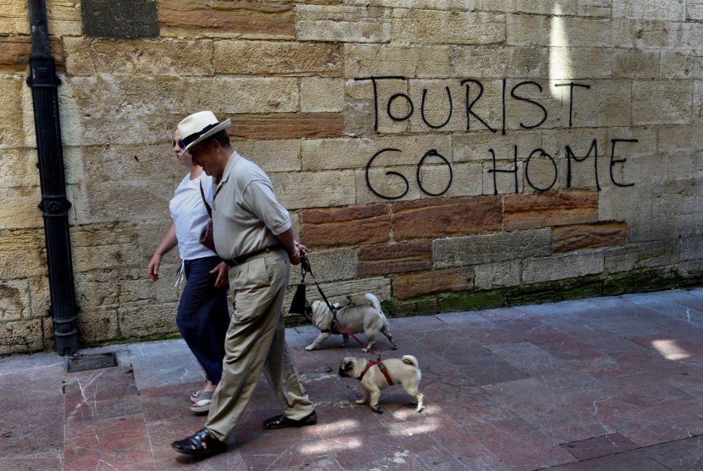 FOTO:Turisti, odidite domov!