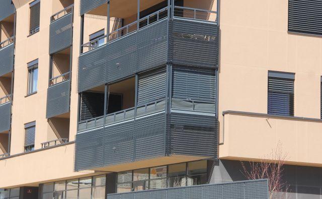 Stanovanje v prvem nadstopju je bilo mesto tragedije. FOTO: Boštjan Fon