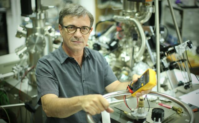 Pojav je skupina osmih fizikov pod vodstvom prof. dr. Dragana Mihailovića odkrila med raziskavami leta 2016; skupina je potem potrebovala tri leta, da je lahko pojav okarakterizirala in eksperimentalno potrdila. Foto: Jure Eržen/Delo