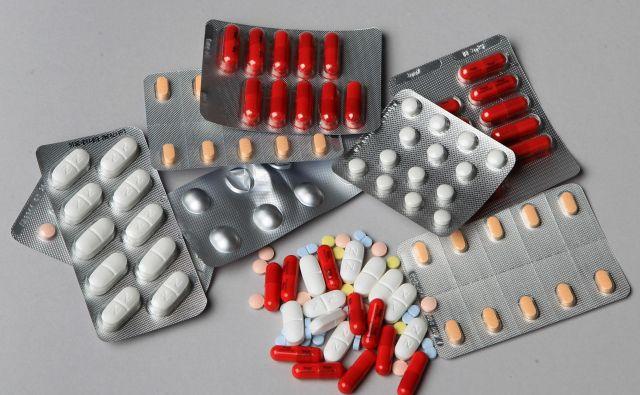 V farmacevtskih podjetjih EU ne bo več treba izvajati nadzora kakovosti, če bo ta že opravljen v ZDA. FOTO: Blaž Samec/Delo