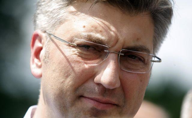 Ker je Plenković odlašal z zamenjavo ministra za javno upravo, so mu očitali, da je le nemočna lutka, ki se pretvarja, da vlada. FOTO: Željko Hajdinjak/Cropix