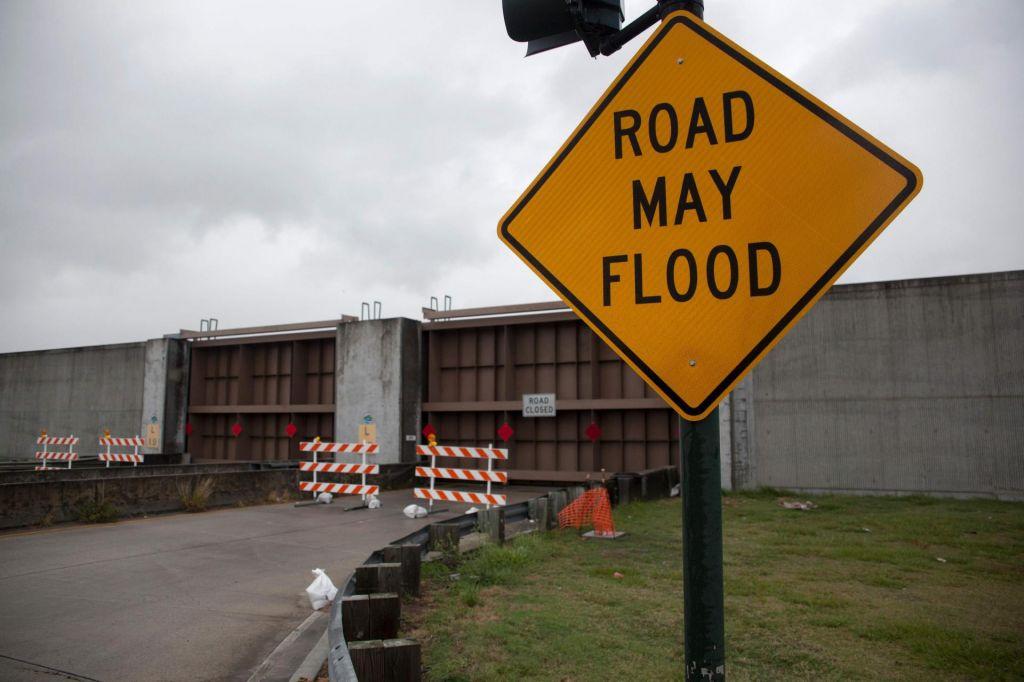 Orkan Barry verjetno ne bo povzročil katastrofe