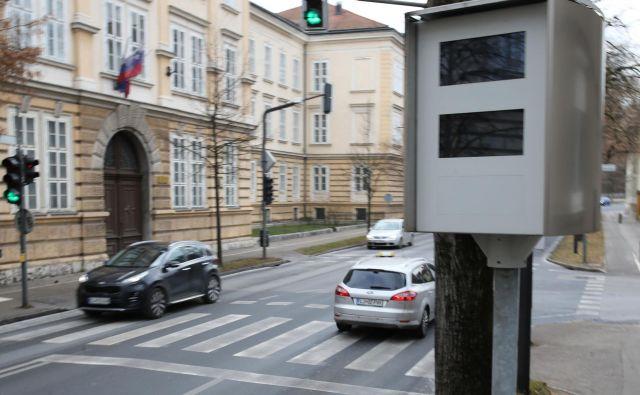 Radar na Roški cesti Ljubljana. FOTO: Tomi Lombar/delo