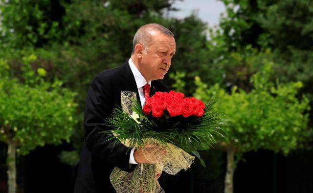 Turški predsednik Recep Tayyip Erdoğan na spominski slovesnosti v Ankari. FOTO: Reuters