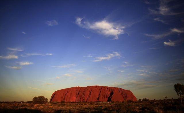 Od letošnje jeseni bo pristop na Uluru prepovedan, ne le odsvetovan. FOTO: Reuters