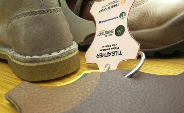 Od časa do časa je pač treba kupiti nove čevlje. FOTO: Borut Tavčar