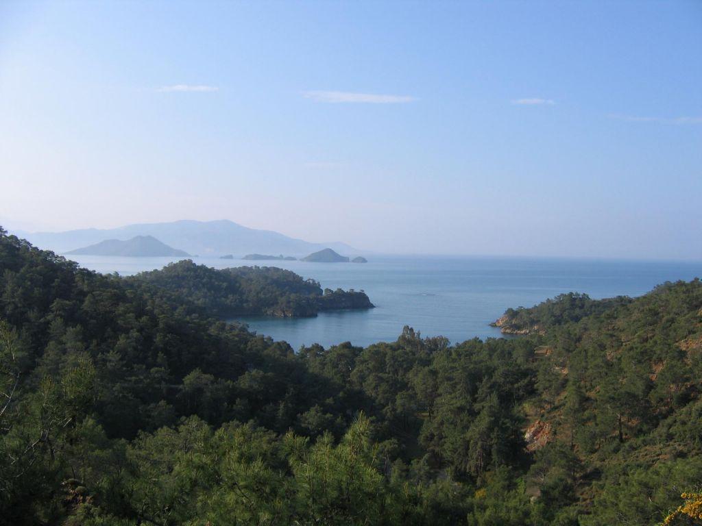 FOTO:Razgibana obala, pisana tradicija in bogata zgodovina