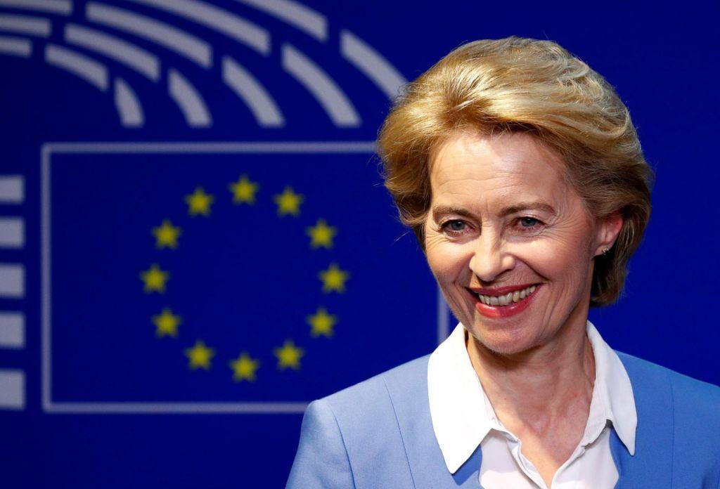 Ursula von der Leyen deli politična darila