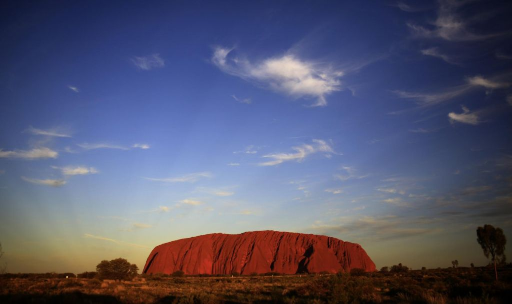 FOTO:Turisti v zadnjem hipu drejo na Uluru