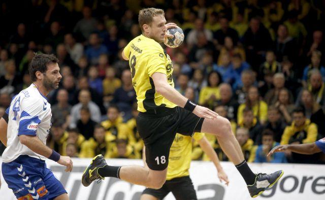 Kapetan Gorenja David Miklavčič bo ose hotel popeljati v skupinski del pokala EHF. FOTO: Roman Šipić/Delo