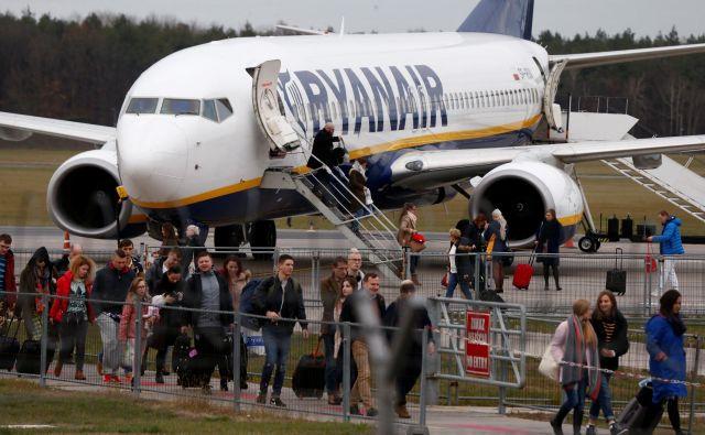Ryanair bo s sedanjo floto sposoben prepeljati približno milijon potnikov manj, kot so načrtovali. Foto Reuters