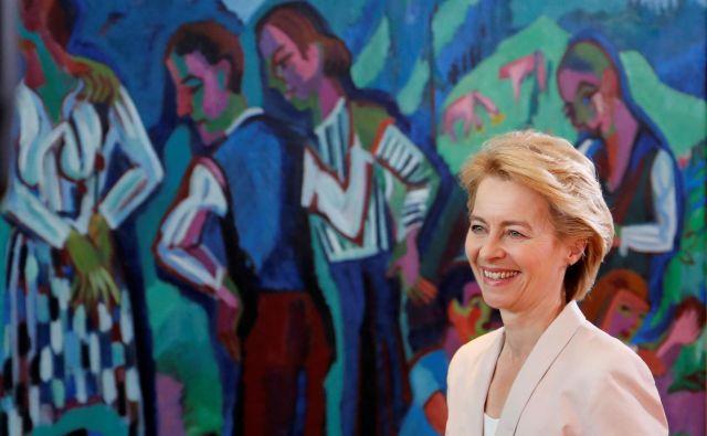 Da je Ursula von der Leyen dobila le devet glasov več od zahtevane absolutne večine, ne pomeni, da bo v šibkejšem položaju. FOTO: Reuters
