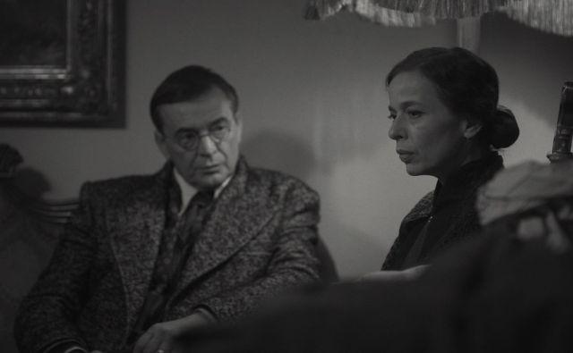 V igrano-dokumentarnem filmu o Diani Budisavljević, ki je iz ustaških taborišč med vojno rešila več kot 10.000 srbskih otrok, igra junakinjo Alma Prica, njenega moža Julija pa Igor Samobor. FOTO: Promocijsko gradivo
