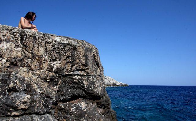 Naturiste menda preganjajo tudi z osamljenih divjih plaž. FOTO: Roman Šipić