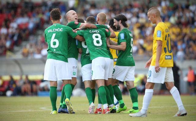 Nogometaši Olimpije so se veselili po tekmi z Bravom, bo tako tudi danes zvečer? FOTO: Jure Eržen/Delo