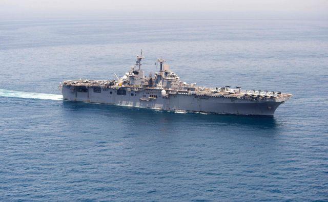 Ameriška mornarica je sestrelila iranski dron, potem ko je ta ogrozil vojaško ladjo USS Boxer. FOTO: Craig Z. Rodarte/AFP