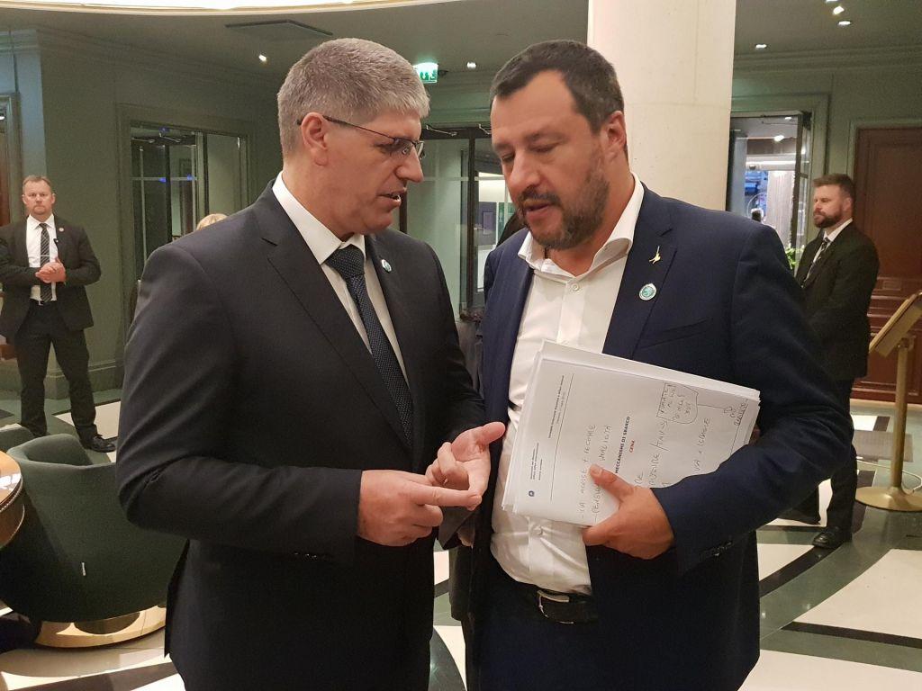 Poklukar in Salvini gledata na zunanje meje EU