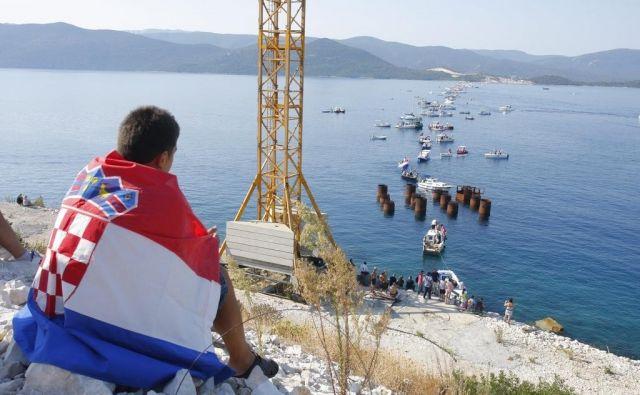 Hrvaška bo kot doslej zagotavljala nemoten ladijski promet do pristanišča BiH v Neumu. FOTO: Duje Klarić/Cropix
