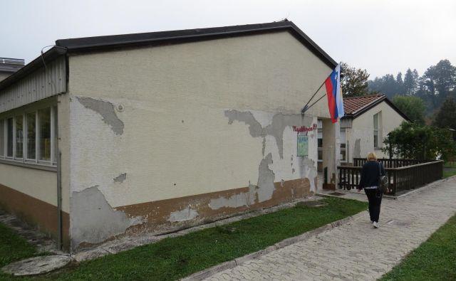 Dotrajan vrtec Najdihojca bi bilo treba takoj obnoviti ali zgraditi novega, toda denarja ni. FOTO: Bojan Rajšek/Delo