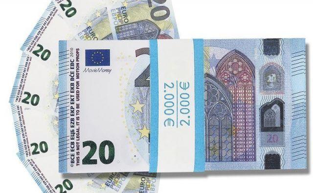 Ponarejeni bankovci. FOTO: PU Celje