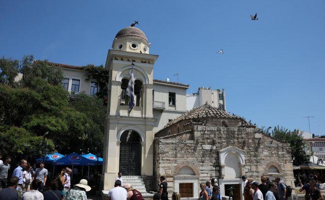 Zrušili sta se dve opuščeni zgradbi, nekaj pa jih je malo poškodovanih. FOTO: Alkis Konstantinidis/Reuters