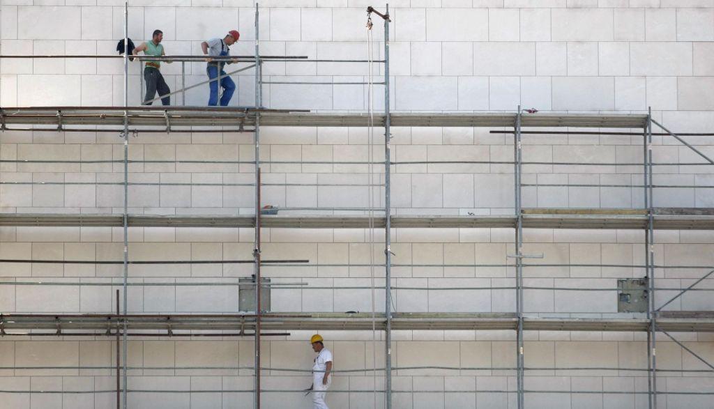 Gradbena dovoljenja napovedujejo več stanovanj