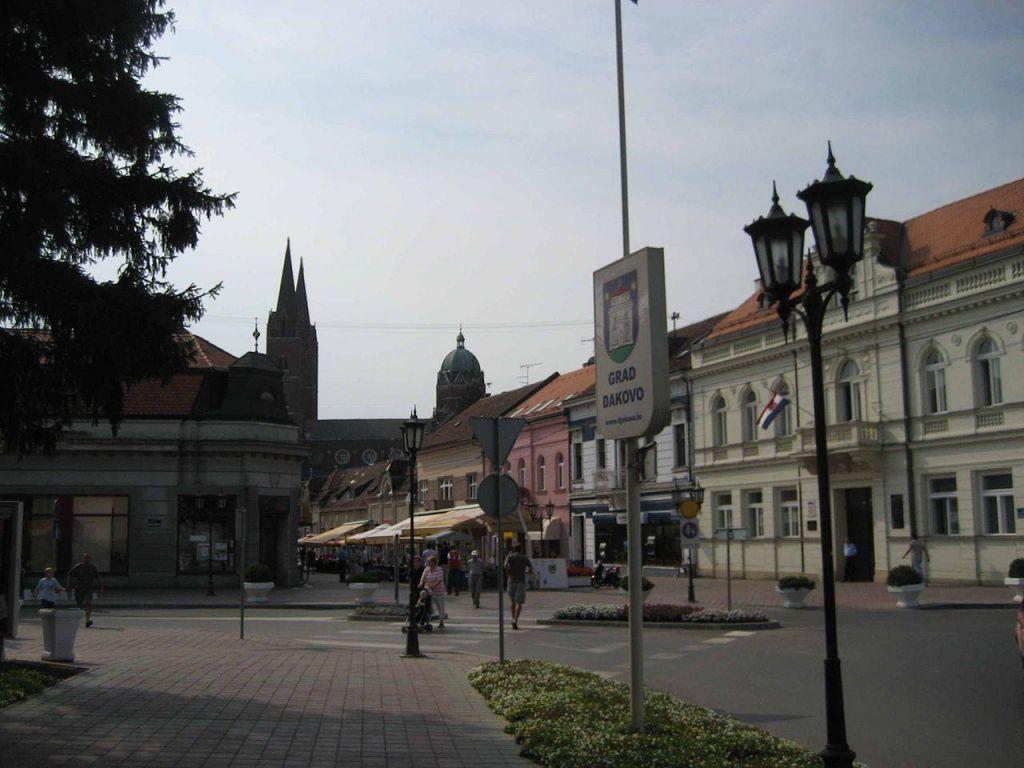 Umrla še druga žrtev napadalca v hrvaškem centru za socialno delo
