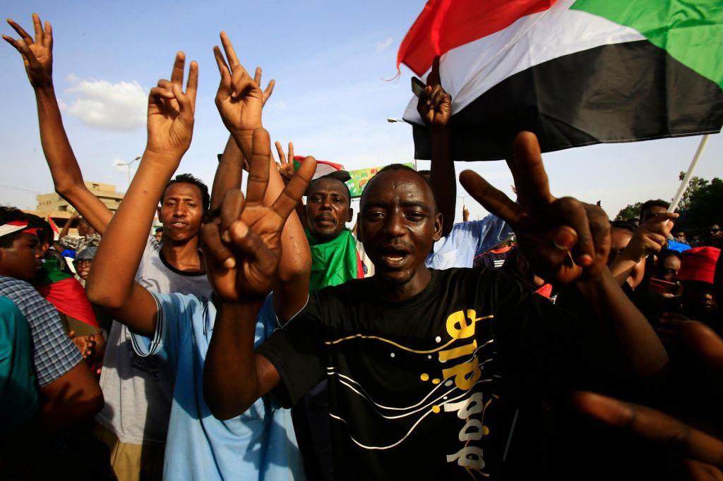 »Socialna revolucija je uspela, politična bo postopna«