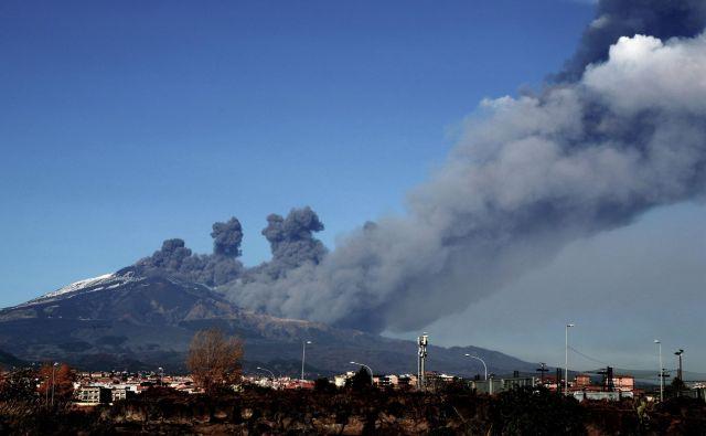 Etna je vseskozi dejavna. FOTO: Giovanni Isolino/AFP