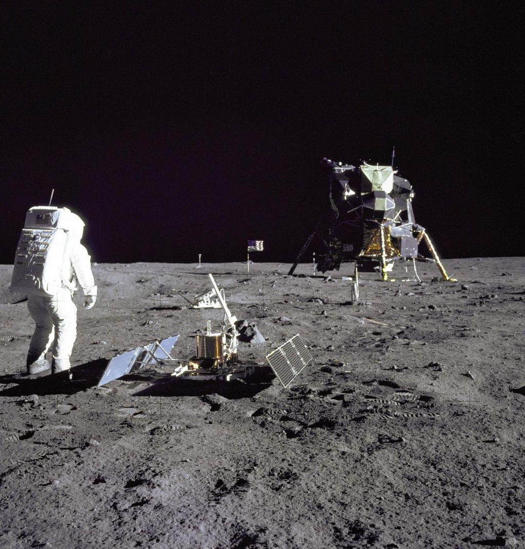 FOTO:Kako je človeštvo pristajalo na Luni?