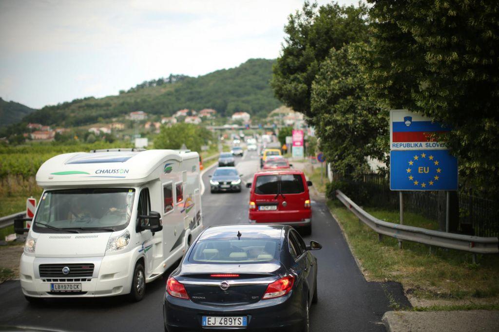 Zopet zastoj na podravski avtocesti pred Gruškovjem, čakalna doba dve uri