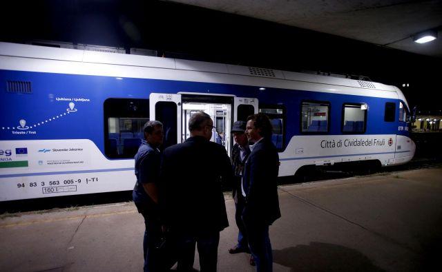 Vlak Ljubljana–Trst FOTO: Roman Šipić/Delo