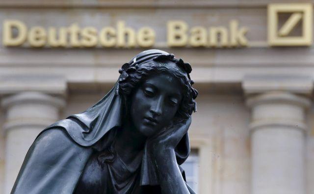 Nemška bančna velikanka se otepa s posledicami preteklih slabih odločitev. FOTO: Reuters