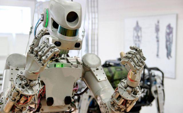 Takšni roboti bi lahko tlakovali pot ljudi na druga nebesna telesa. FOTO: Roskozmos