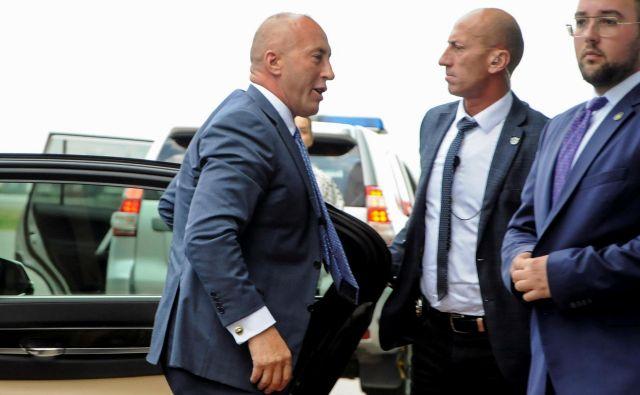 Haradinaj je zaradi zaslišanja na posebnem sodišču za vojne zločine na Kosovu že včeraj prispel v Haag. FOTO: Laura Hasani/Reuters