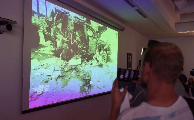 Na novinarski konferenci so objavili tudi fotografije uničenega vozila, v katerem so bili trije hrvaški vojaki. FOTO: Mladen Čobanović/MORH