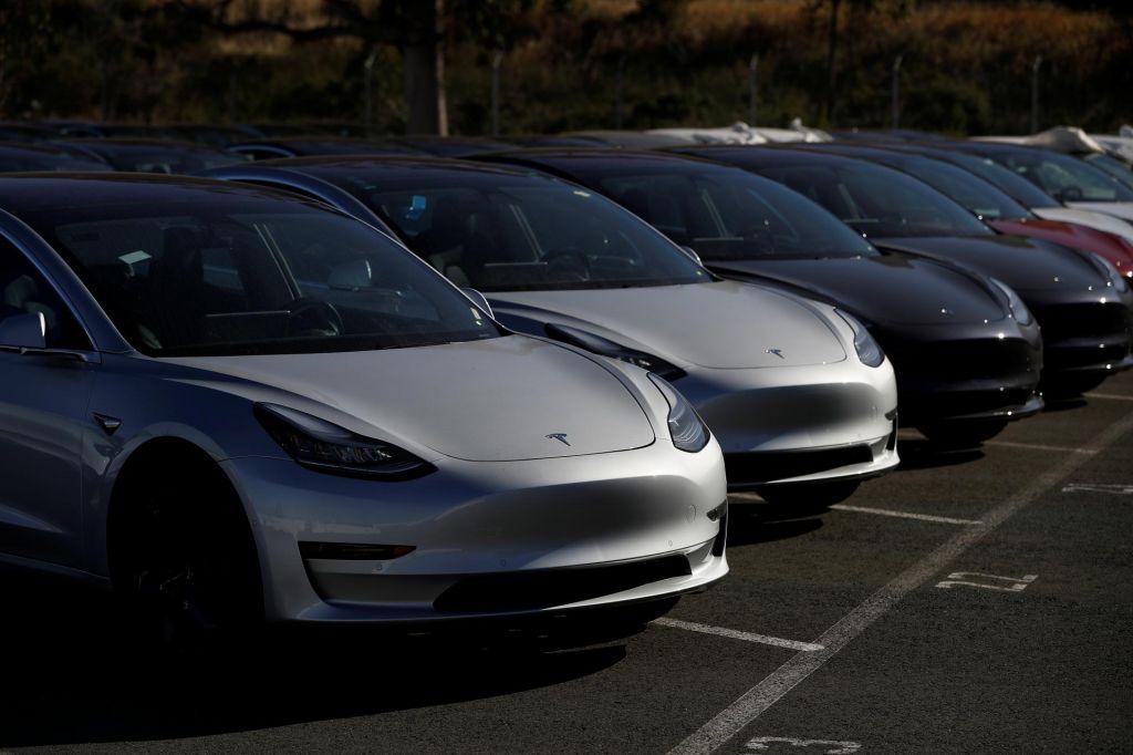 FOTO:Tesla na težki poti v množičnost